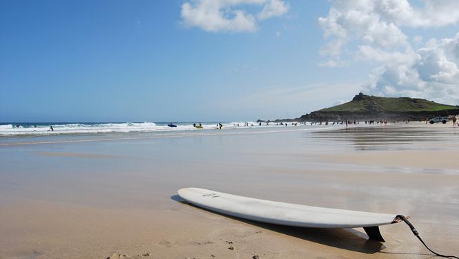Porthmeor-Surfing-St-Ives